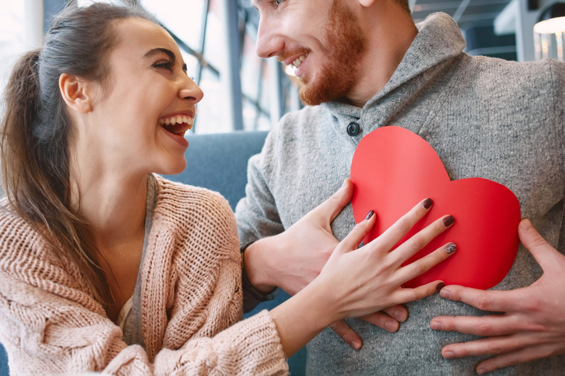 10 Tips for Staying Safe with Online Dating image