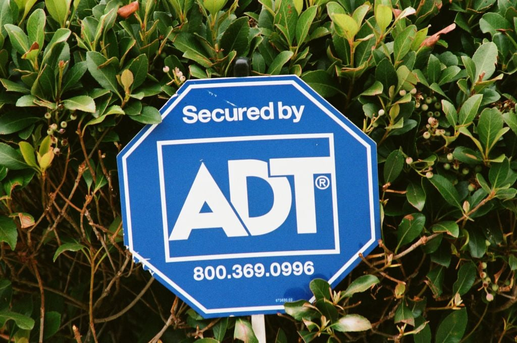 Do Home Security Yard Signs Prevent Burglaries?