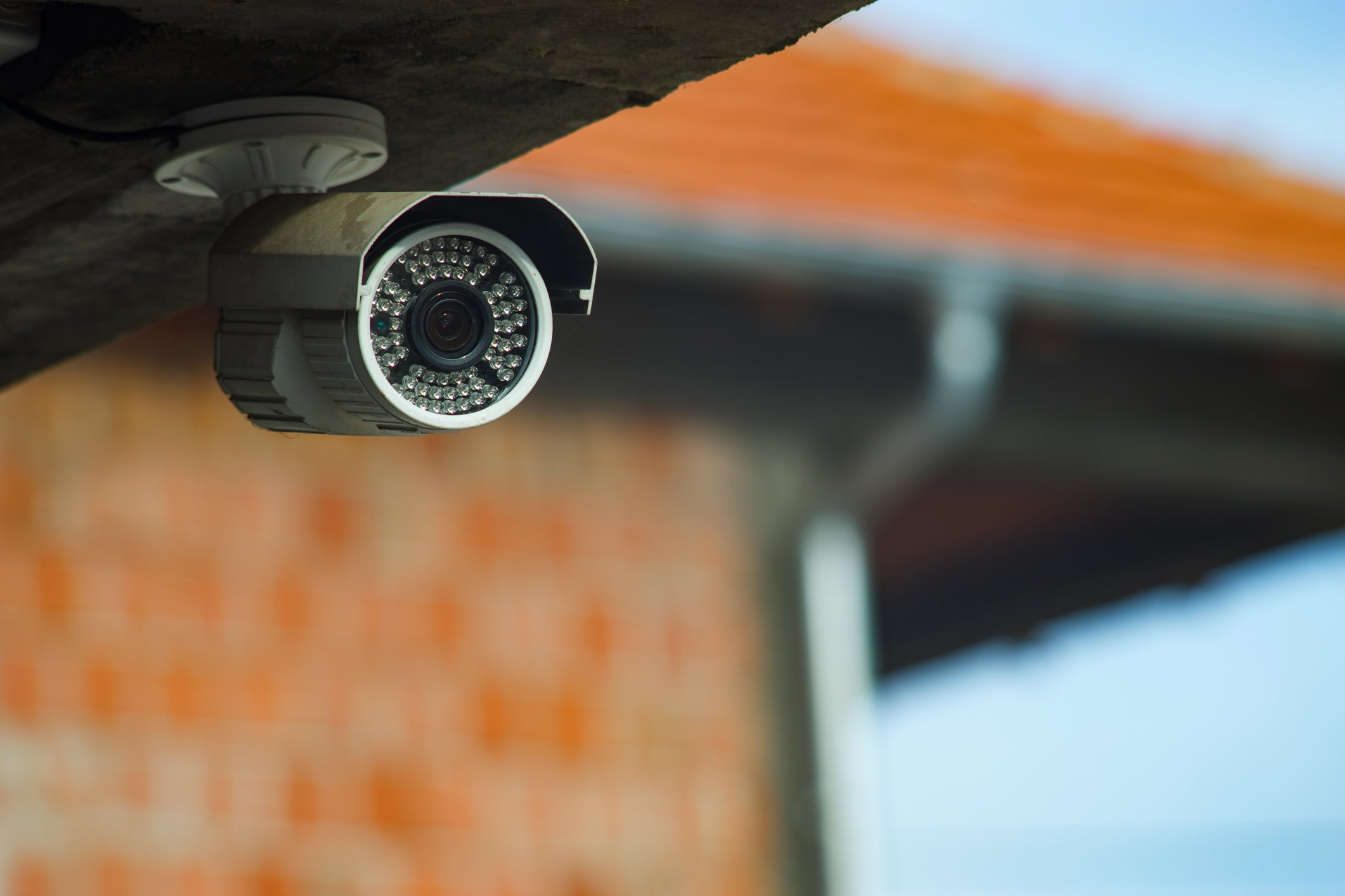 6 Do's and Don'ts for Securing Your Home While Away