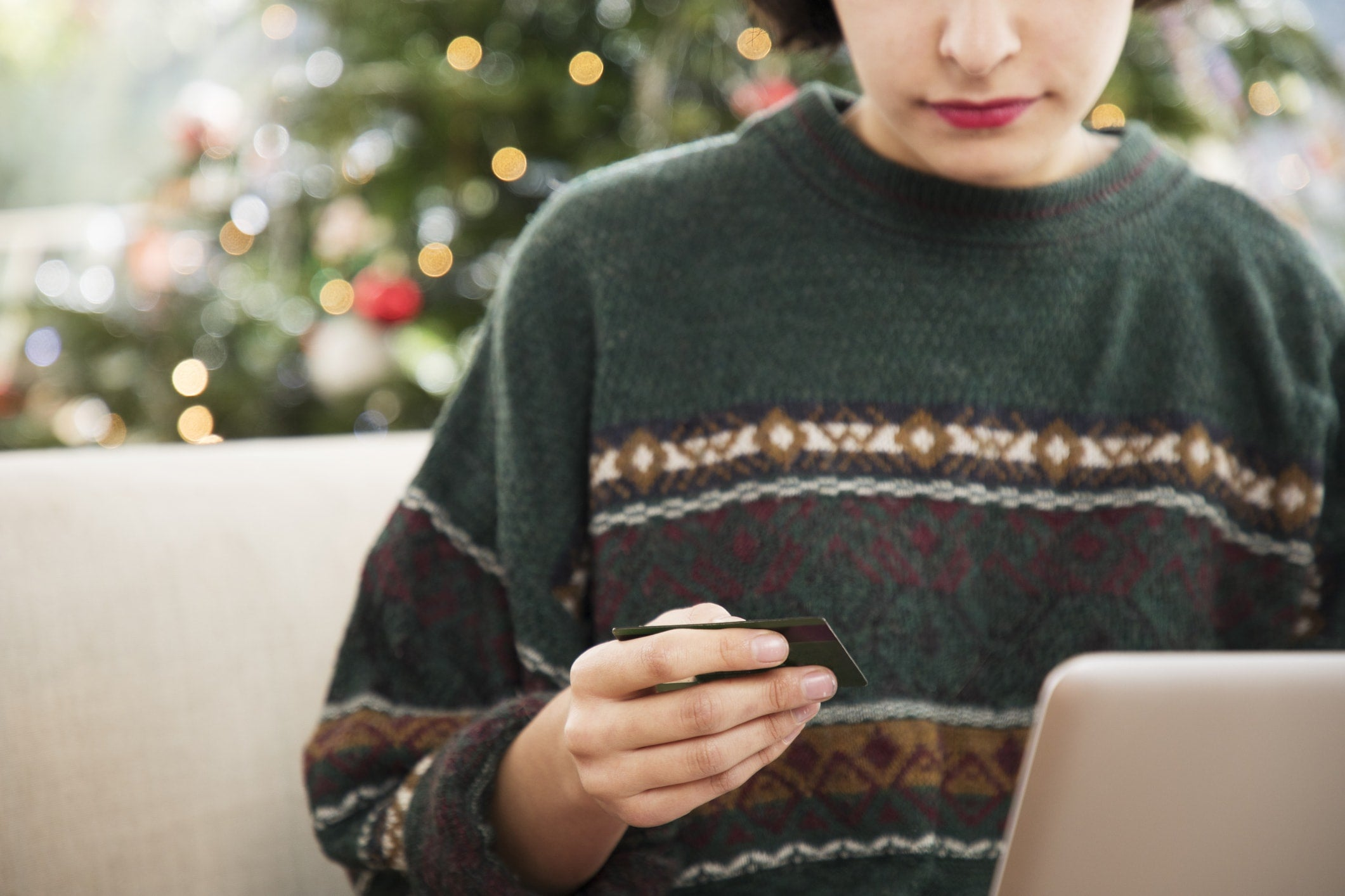 How to Avoid Getting Scammed This Holiday Season