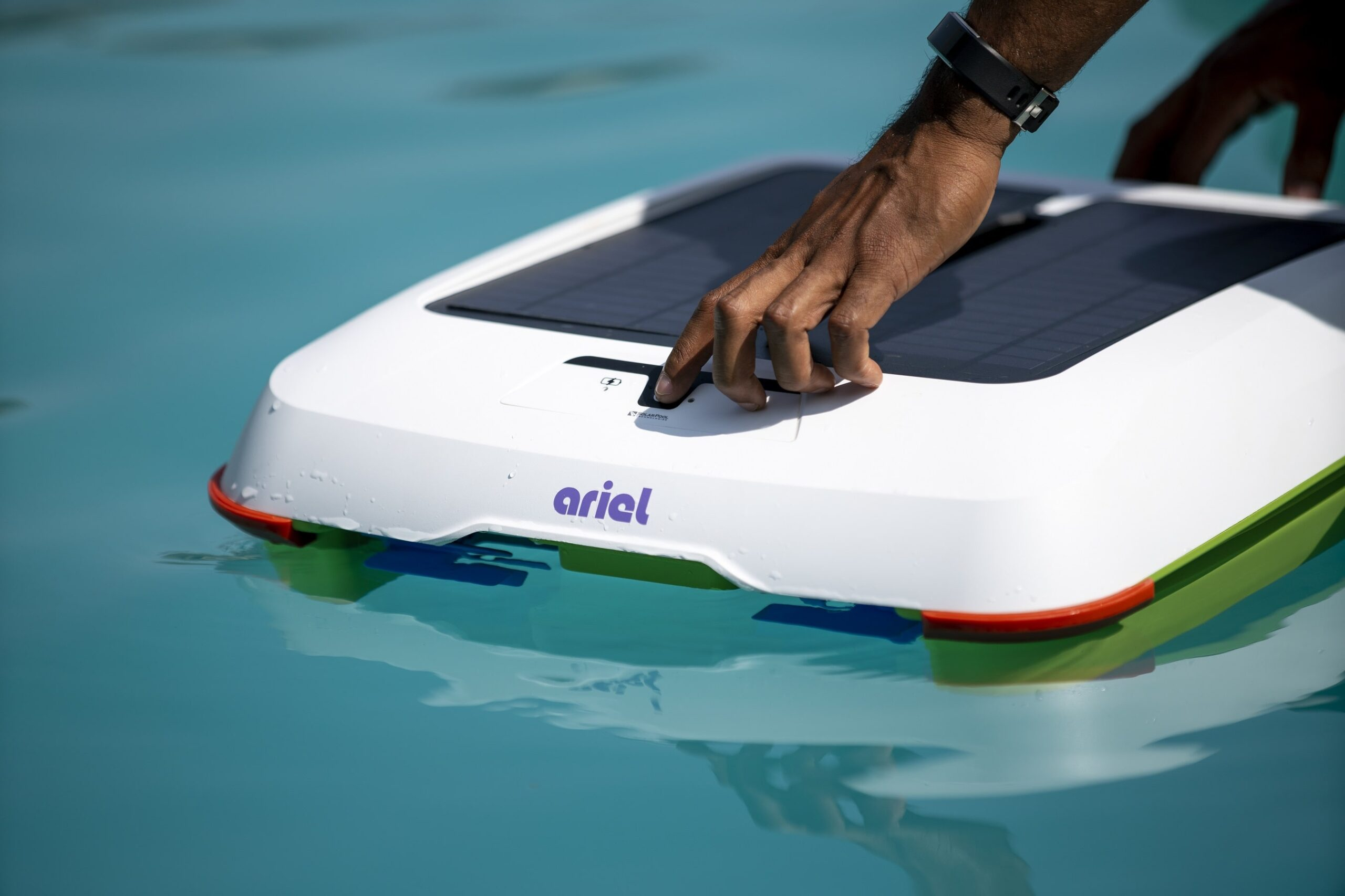 The Ariel Robot Pool Cleaner Keeps Your Pool Free of Debris